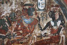 Amenhotep I y su madre Ahmose Nefertari. Amenhotep I (muerto en 1504 antes de Cristo), supuestamente fundó la comunidad de artesanos de las tumbas reales ( Deir el-Medina), quien lo tomó como su dios tutelar. Estela de Arenisca, Imperio Nuevo, se encontró en la tumba de Irynefer en Deir el-Medina.  Amenhotep I and his mother Ahmose Nefertari. It seems that Amenhotep I (died more or less in 1504 b.C.) founded the craftsmen's community of Deir el Medina so they choosed him like their tutelary…