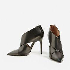 BOTÍN ENVOLVENTE DE PIEL-Zapatos tacón-ZAPATOS-MUJER   ZARA España