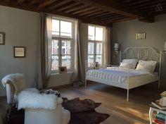 Échale un vistazo a este increíble alojamiento de Airbnb: luxurious/ cozy local guest room en Brujas