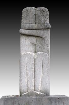 Constantin Brâncuși, 1907-08, The Kiss. Exhibited in 1913 at the Armory Show and published in the Chicago Tribune, 25 March 1913