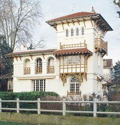 Villa Miraflores  Adresse : 1, avenue Corot, Le Vésinet, France  Créateurs Architecte : Théophile Bourgeois  Datation 1905