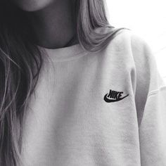 Nike cute sweater. Athletic outfit. Teen fashion.