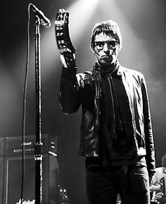 "On the worst possible psychological torture: ""Being sat beside Liam on a 15-hour flight. It happened just the once, going to Japan or somewhere. It's just horrible."" (Melody Maker, December 1999)  Noel"