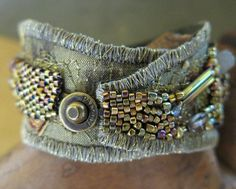Fiber Art Jewelry, Textile Jewelry, Fabric Jewelry, Beaded Jewelry, Jewellery Diy, Jewlery, Fabric Bracelets, Woven Bracelets, Handmade Bracelets