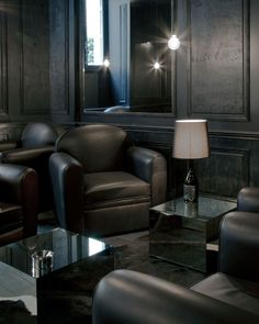 black lounge - I don't know that I would ever want a room like this, but it's outside the box for me