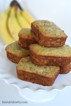 There's a SECRET! The best banana bread ever! This banana bread is amazing! You have to save this recipe! Quick Banana Bread, Banana Nut Bread, Buttermilk Banana Bread, Quick Bread, Just Desserts, Delicious Desserts, Dessert Recipes, Yummy Food, Brunch