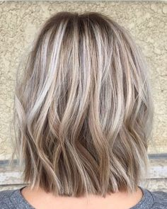 Covering gray hair, Dark hair blonde highlights and Gray hair highlights. hair color fall, Great hair I'm going to have my hair like that one day everyday. Pretty Blonde Hair, Brown Blonde Hair, Silver Blonde, Fall Blonde Hair Color, Golden Blonde, Medium Ash Blonde Hair, Silver Ash, Blonde Ombre, Dye Hair Gray
