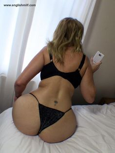 Sexy big ass milf in panty
