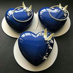 YES OR NO?❤❤❤ Mini blue heart cake by Its so glamour! I love so much! Fancy Desserts, Fancy Cakes, Mini Cakes, Cupcake Cakes, Beautiful Desserts, Beautiful Cakes, Amazing Cakes, Patisserie Design, Mirror Glaze Cake