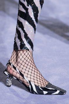 Le scarpe di moda per l'Autunno Inverno 2018 2019 viste alle sfilate sono i modelli che vorremmo avere SUBITO
