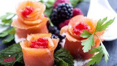 ¡Ya puedes descubrir en nuestro canal de Youtube todo lo que te espera en el XIV Concurso de #TapasPicadillo A Coruña 2017! Del 15 de septiembre al 1 de octubre, ven y #saboreacoruña. ¡Ñam, ñam! #ACoruña  #tapas #visitacoruña #gastronomía Cantaloupe, Tapas, Fruit, Food, Gastronomia, September, Meal, The Fruit, Eten