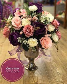 WEBSTA @ tuanahediyelik - Bazı tatlı gelin adayları ile whatsapp üzerinden öyle güzel anlaşıyoruz ki Sonuçta da böyle güzel işler ortaya çıkıyor .. Çok mutlu olun bizi tercih ettiğiniz için teşekkürler #KübraHakan Marriage Gifts, Engagement Decorations, Flower Arrangements, Diy And Crafts, Table Decorations, Wedding, Vintage, Ideas, Weddings