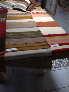 Caminos de mesa Weaving Designs, Quilts, Blanket, Bed, Home, Weaving, Farmhouse Table, Table Runners, Weaving Looms