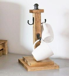 "Cup Tree (Ana White) Want to add rustic wood accents to your kitchen? Here's a simple, beautiful and inexpensive way … Continue reading ""Cup Tree (Ana White) Want to add rustic wood accents to your kitchen? Small Woodworking Projects, Scrap Wood Projects, Woodworking Furniture, Fine Woodworking, Woodworking Crafts, Diy Projects, Project Ideas, Diy Furniture Plans Wood Projects, Woodworking Classes"