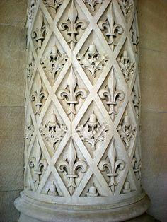 Fleur de lis...Love this column!  #fleur_de_lis #architecture