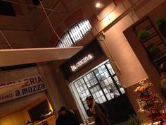 Altro? Finalmente ha inaugurato! Il concept store nella meravigliosa location del Mercato di via Ugo Bassi a Bologna. Un successo dovuto all'idea innovativa di creare un luogo di aggregazione dove degustare le migliori prelibatezze dalla pizza romana, ai salumi di eccellenza, birre artigianali, specialità vegetariane e l'ottimo ristorante. Il tutto da degustare insieme nei tavolini …