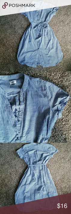 Old Navy gingham shirt dress size XL 100% cotton white and blue gingham shirt dress from Old Navy. Lightweight but not see-through. Ties at waist for some flexibility in the size. Excellent used condition. Size XL. Old Navy Dresses Midi