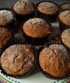 *Bananovo-kavove muffiny*     Velmi dobre, vlacne cesto. Muffiny su vdacna rychlovka, ked vas prepadne chut  na nejaky nasupcek. Z jedneho vajicka vyjde 12 velkych muffiniek alebo 18 mensich. Ziadne narocne suroviny, vacsinou ich mame doma v zasobe:). Banany a kava pre mna  osobne = skvela kombinacia. Takze sa pozrime ako na ne. Healthy Snacks For Kids, Cooker, Muffins, Easy Meals, Food And Drink, Sweets, Breakfast, Recipes, Blog