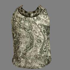 Milano sleeveless top with decorative scoop neck