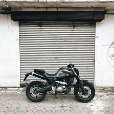 mt03 660cc Cafe Racer Motorcycle, Moto Bike, Yamaha Motorbikes, Bike Design, Street Fighter, Scrambler, Custom Bikes, Cool Bikes, Bobber