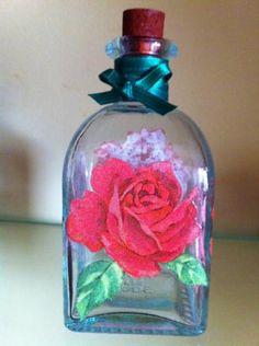 botellita vidrio decoupage rosas  vidrio,servilleta rosas,lazo decoupage