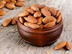The Health Benefits of Almond is important for us to know. As soon as the name of almond comes, all the benefits come to your mind. Protein Rich Snacks, Healthy Bars, High Protein Recipes, Protein Foods, Health Benefits Of Almonds, Almond Benefits, Almonds Nutrition, Almond Bars, Almond Nut