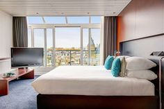 Situated in The Hague Center, the Hampshire Hotel - 108 Meerdervoort offers romantic accommodation with modern amenities. The Hampshire H...