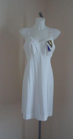 Vintage 1960s Dorsay White Non Cling Full Slip NWT on Etsy, $55.25 CAD