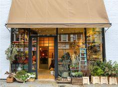 that flower shop Coffee Shop, Cafe Exterior, Flower Shop Design, Shop Facade, Book Cafe, Exterior Paint Colors, Garden Shop, Retail Space, Store Fronts