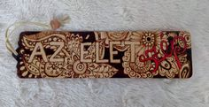 Pirográffal és akvarell filctollal dekorált fa könyvjelző. Fa, Sunglasses Case