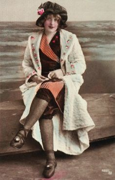 Postcard, lady in bathing clothes, Vienna 1900 _________________________ Postkarte, Dame in Badebekleidung @ Wien Museum