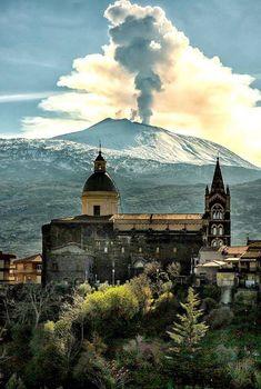 Randazzo ~ Catania Volcanoes, Catania, Palermo, Louvre, Mountains, Stone, Travel, Places, Landscapes