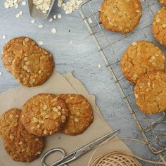 A traditional Australian biscuit complete with rolled oats, coconut and golden syrup. Barbecued Lamb, Anzac Biscuits, Australian Food, Anzac Day, Golden Syrup, Biscuit Recipe, Pavlova, How Sweet Eats, Sweet Desserts