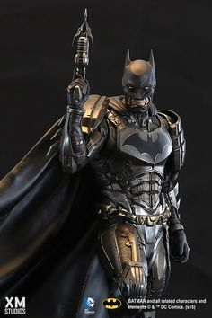 XM Studios is excited to present our first DC Premium Collectibles series statue, Batman! The legendary Dark Knight is immortalized in amazingly detailed 1:4 scale cold-cast porcelain. Each painstakingly handcrafted statue stands at approximately 23.5 inches tall and every piece individually hand-painted with the highest possible quality finish. This line is a result of creative collaboration between Warner Brothers and XM Studios. The switch out options brings possibilities to the next…