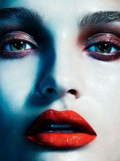 Makeup: Christine Cherbonnier www.christinecherbonnier.com Photographer: Hannah Khymych www.hannahkhymych.com Model: Roosmarijn
