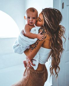 Mama Baby, Mom And Baby, Cute Family, Family Goals, Couple Goals Cuddling, I Want A Baby, Future Mom, Cute Baby Pictures, Album Design