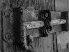rust, lock, bolt, black and white, photography, katie bodmann photography
