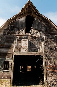 Abandoned barn.... can you imagine the challenge of making this livable?!