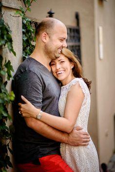 Sedinta foto de logodna inainte de nunta #poses #couple #engagement #photoshoot #fotograf #logodna Couple Posing, Couple Photos, Poses, Couple Photography, Save The Date, Photoshoot, Engagement, Couples, Inspiration