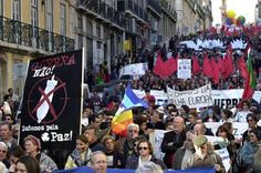 Some people clogged Lisbon in the largest peace march in Portugal's history Antarctica, Lisbon, Washington, February, Street View, Peace, History, City, World