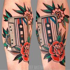 Trendy music tattoo old school american traditional Kritzelei Tattoo, Tatto Old, Piercing Tattoo, Piercings, Top Tattoos, Music Tattoos, Body Art Tattoos, Sleeve Tattoos, Traditional Tattoo Music