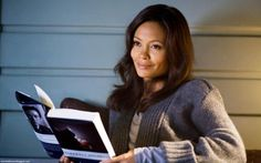 Thandie Newton Pretty British Actress While Reading Book Celebrity Galleries, Wallpapers and Famous Women, Famous People, Celebrities Reading, Disaster Movie, Thandie Newton, Celebrity Gallery, Woman Reading, Columbia Pictures, British Actresses