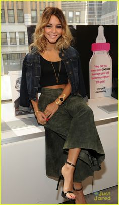 Vanessa Hudgens Honored By Candie's Foundation for 'Gimme Shelter' Role | vanessa hudgens candies fndn teen pregnancy 02 - Photo