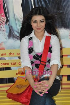 Album Ayesha Takia on location of film Pathshala in Bhavans College on March 2010 Beautiful Girl In India, Beautiful Indian Actress, Beautiful Celebrities, Stylish Girl, Indian Beauty, Indian Actresses, Bollywood, March, College