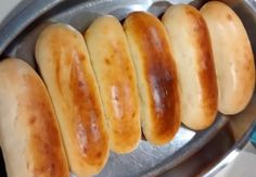 If you do not know how to make your own hamburger buns , panchos or pebetes, do not miss this recipe that we present Hamburger Buns, Hamburger Recipes, Hot Dog Buns, Hot Dogs, Mexican Cooking, Le Chef, Pancakes, Cooking Recipes, Molde