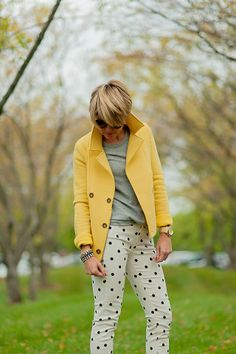 Yellow blazer and polka dot pants Yellow Coat, Yellow Blazer, Grey Yellow, Polka Dot Pants, Polka Dots, Animal Print Pants, Cool Style, My Style, Grey Outfit