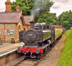 GWR 9682 Pannier tank locomotive at Chinnor Station on the Princes Risborough & Chinnor Railway. Old Steam Train, Steam Engine Train, Heritage Railway, Steam Railway, Bonde, Train Art, Rail Car, British Rail, Old Trains