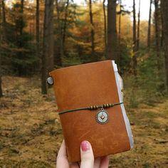 Road trip! What a great season! #mt #mtn #midori #midoritravelersnotebook #midorijournal #travelersnotebook #travelersstaredition #ppsize #notebook #notebooks #traveljournal #autumn #journaling #journal #midorijapan #diary #leatherdiary #travel