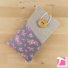 iPhone 5 / iPhone 4 pouch / iPod sleeve / cell by TeresaNogueira, €11.00