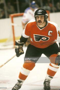 Player Mel Bridgman of the Philadelphia Flyers And Player Mel. Flyers Hockey, Ice Hockey Teams, Hockey Players, Hockey Girls, Hockey Mom, Boys, Philadelphia Flyers, Jonathan Toews, Nfl Fans